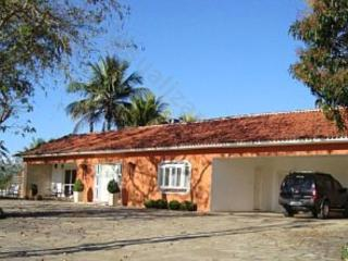 Comfortable Cottage with Internet Access and Hot Tub in Penedo - Penedo vacation rentals