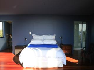 Romantic 1 bedroom Tutukaka Bed and Breakfast with Deck - Tutukaka vacation rentals