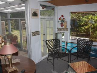 Nice House with Deck and Dishwasher - Langlois vacation rentals