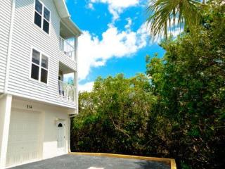 Sandy Point Cove 114 - Holmes Beach vacation rentals