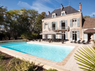 Bright Chateau with Internet Access and A/C - Chalon-sur-Saone vacation rentals