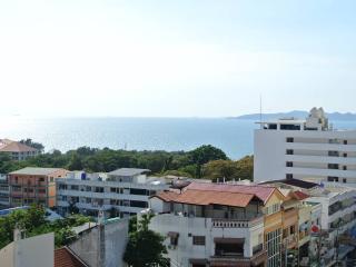 Sea view studio condo at Pratumnak (Peak F6 R54) - Pattaya vacation rentals