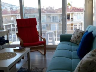 Cozy new flat at Cesme Center, İzmir Turkey - Cesme vacation rentals