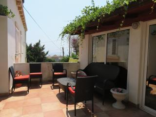 Bright 3 bedroom Ploce Apartment with Internet Access - Ploce vacation rentals
