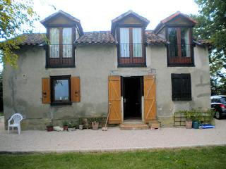 Lovely Gite with Central Heating and Television - Mondebat vacation rentals