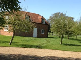 South Hidden Farm cottage, Hungerford. RG17 7AB - Shefford Woodlands vacation rentals