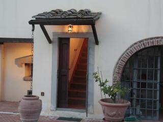 Terra Etruria  Appartamento del Ministro - Terranuova Bracciolini vacation rentals