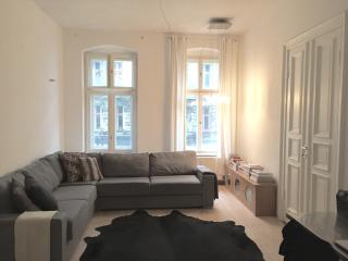 Beautiful 2 Bedroom apartment, Great location! - Berlin vacation rentals