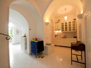 Cozy 1 bedroom Forio Townhouse with Balcony - Forio vacation rentals
