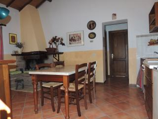 Cozy 3 bedroom Townhouse in Grotte di Castro with Children's Pool - Grotte di Castro vacation rentals