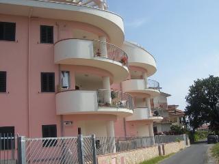 Appartamento  Rifiniture di pregio 300mt dal mare - Amantea vacation rentals