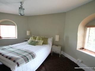 Toll House, Exebridge - Unique property ideal for exploring Exmoor - sleeps 2 - Dulverton vacation rentals