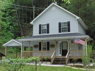 AMERICAN PATRIOT HAVEN on the Creek.. - Gatlinburg vacation rentals
