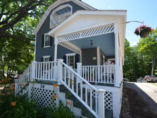 In Town Wolfeboro Cottage Caretakers Vacation Home - Wolfeboro vacation rentals