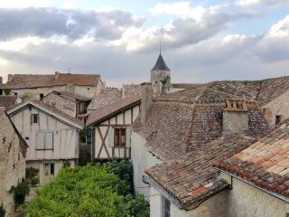 La Parenthèse - côté village - Issigeac vacation rentals