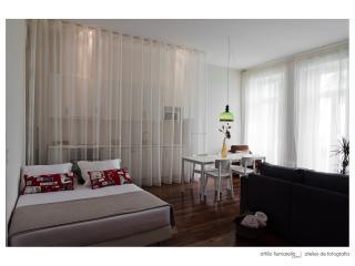 """Ayres Gouvea House """"Master Bedroom"""" - Porto vacation rentals"""