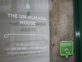 Un-Almada House 2.4 - Porto vacation rentals