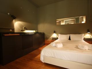 Carlos Alberto 02 - Porto vacation rentals