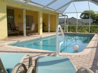 Villa Yellow Hibiscus - beautiful SW Cape Coral - Cape Coral vacation rentals