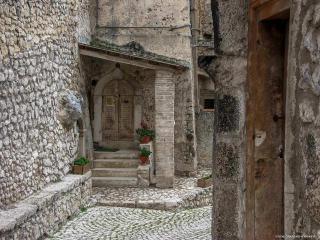 Casa in montagna - Santo Stefano di Sessanio vacation rentals
