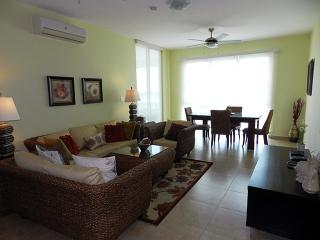 2 bedroom Apartment with Internet Access in Farallon - Farallon vacation rentals