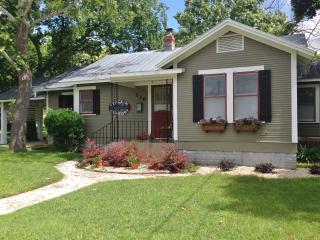Nice House with Internet Access and A/C - Comfort vacation rentals