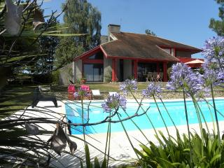 Beautiful House with Internet Access and A/C - Ogenne-Camptort vacation rentals