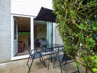 49 ATLANTIC REACH, end-terrace cottage on Atlantic Reach resort, use of on-site swimming pools and gym, near Newquay, Ref 924543 - Newquay vacation rentals