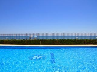 Nice Condo with Shared Outdoor Pool and Television - Montroig vacation rentals