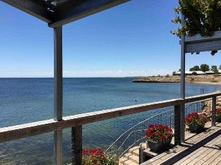 Comfortable Condo with Television and DVD Player - Streaky Bay vacation rentals