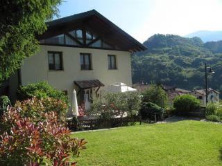 Nice Villa with Internet Access and Wireless Internet - San Lorenzo in Banale vacation rentals