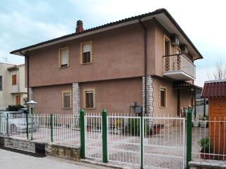 Bright 4 bedroom Rieti Bed and Breakfast with Internet Access - Rieti vacation rentals