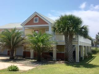 Casa Girasol, cute & cozy perfect for your getaway - Pensacola Beach vacation rentals