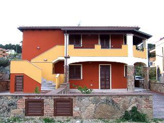 SARDEGNA - CASTELSARDO - appartamento nuovissimo - Lu Bagnu vacation rentals