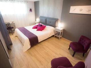 """Chambres d'hôtes """"Les Bruyères"""" - La Gacilly vacation rentals"""