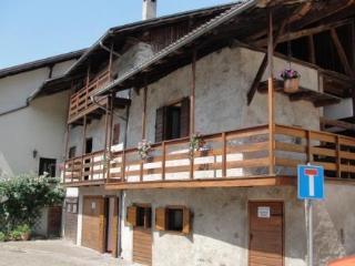 Deliziosa casetta ai piedi delle Dolomiti - Mezzano vacation rentals