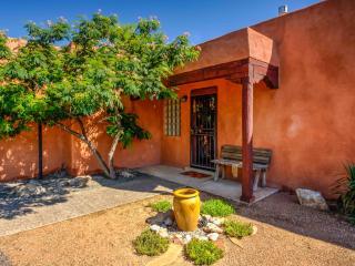 Inviting home near Bosque & Old Town - Albuquerque vacation rentals