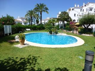 2 bedroom apartment in Aldea Blanca - Puerto José Banús vacation rentals