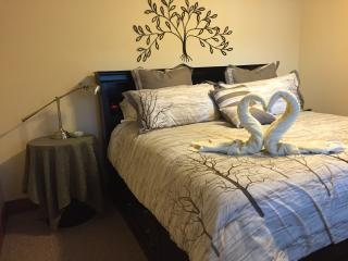Suite Escapes BC Bed & Breakfast King Suite - Scotch Creek vacation rentals