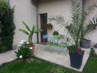 Nice House with Television and Microwave - Saint-Ours vacation rentals