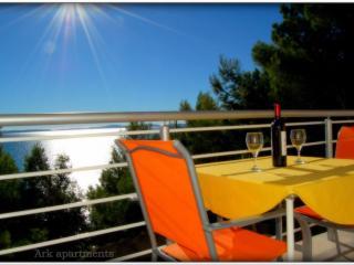 Ark 4* panoramic sea view suite 1/3, Goat - Split vacation rentals