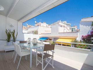 SIMP ATTIC Centrally located with two terraces - Sitges vacation rentals