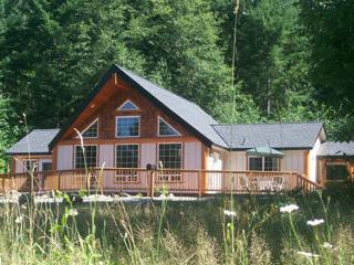Timberline Chalet 44 jet hot tub.fireplace.bbq Dec 21-22 Open - Packwood vacation rentals