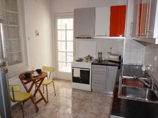Nice 3 bedroom Thessaloniki Apartment with Internet Access - Thessaloniki vacation rentals