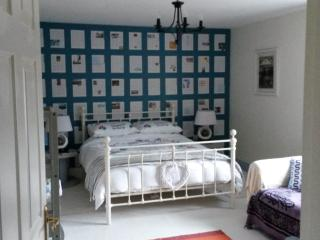 Bright 1 bedroom Private room in Kinsale with Internet Access - Kinsale vacation rentals