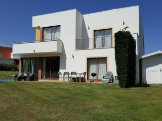 Perfect Villa with Internet Access and Satellite Or Cable TV - Obidos vacation rentals