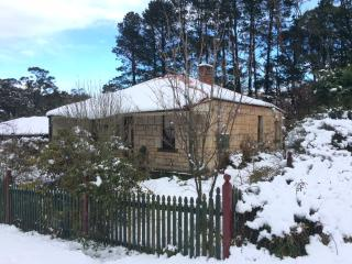 Cozy House with Dishwasher and Garden in Katoomba - Katoomba vacation rentals