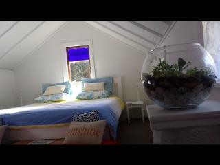 Pukeko Room - Deluxe King + fold-out if pre-booked - Ostend vacation rentals