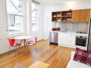 Central City Style - Oliver Lane - Melbourne vacation rentals