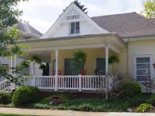Comfortable House with Internet Access and A/C - Mount Carmel vacation rentals